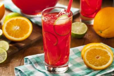 Медики назвали самый полезный сок