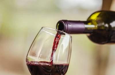 Ученые рассказали о пользе красного вина для мужчин