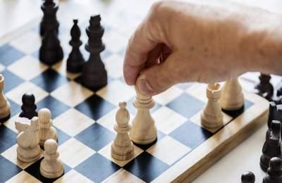 Профессиональные шахматисты живут дольше обычных людей: исследование