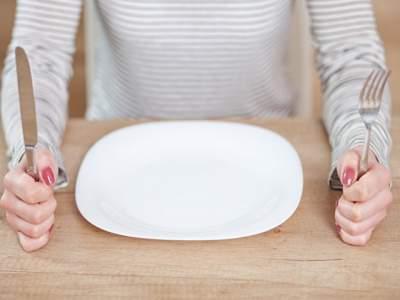 Медики объяснили, почему полезно голодать