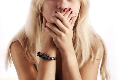 Медики подсказали, о чем может говорить странный привкус во рту