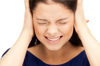 Медики объяснили, чем опасен шум в ушах