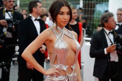 В Сети показали участницу Каннского фестиваля в самом откровенном платье