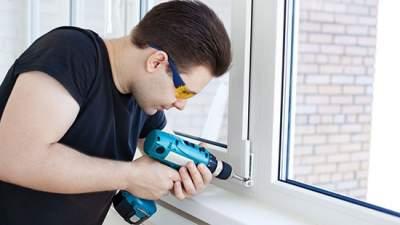 В Киеве заменят окна в 150 домах: адреса