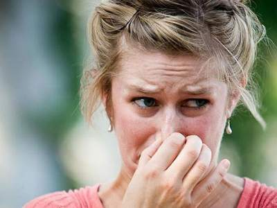 Неприятный запах изо рта сигналит об опасных болезнях