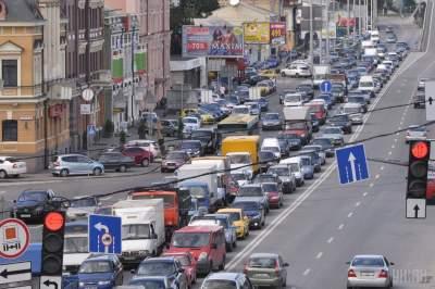Центр Киева остановился в пробках