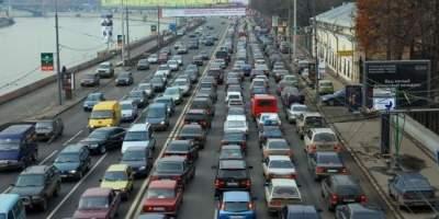 На киевских дорогах зафиксировали серьезные пробки
