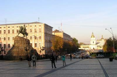 Киевлянам пообещали отремонтировать Софиевскую площадь