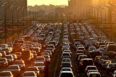 Киев остановился в серьезных пробках