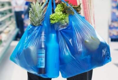 Киеврада рекомендовала супермаркетам отказаться от полиэтиленовых пакетов