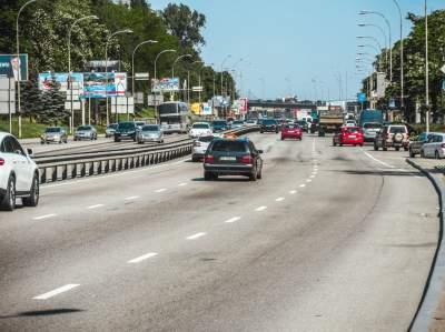 В Киеве завершился ремонт Набережного шоссе