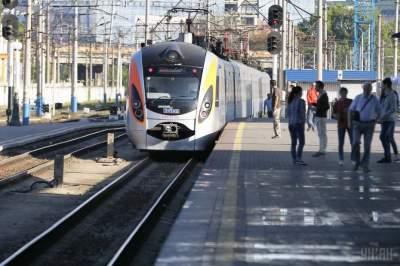 Стало известно, когда закончат строительство железной дороги Киев-«Борисполь»