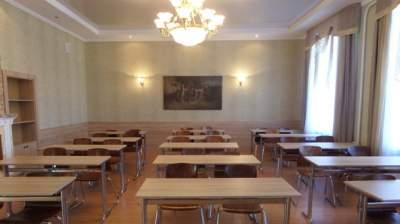 В Киеве усилят охрану школ и детсадов