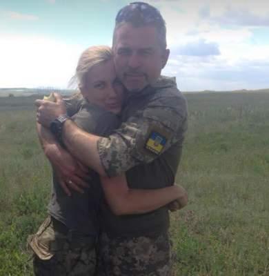 Сеть растрогало фото семейной пары, воюющей на Донбассе