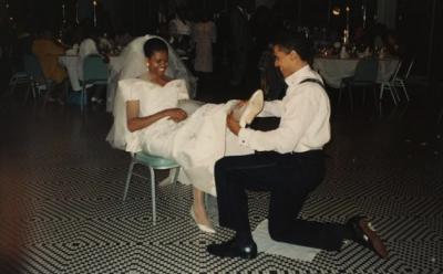 Мишель Обама опубликовала фото со свадьбы