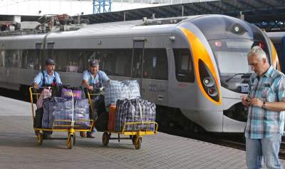 В Украине существенно подорожали билеты на поезда