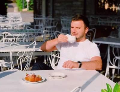 Гриша Решетник похвалился отпускными фото