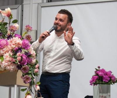 Гриша Решетник похвастался красавицей-женой
