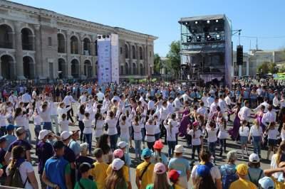 На Контрактовой площади Киева установили необычный рекорд