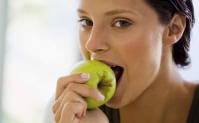 Эти доступные продукты могут заменить средства против морщин