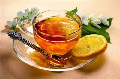 Врачи рассказали, с чем нельзя пить чай