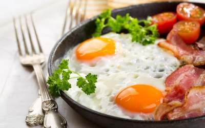 Медики опровергли пользу яичницы на завтрак