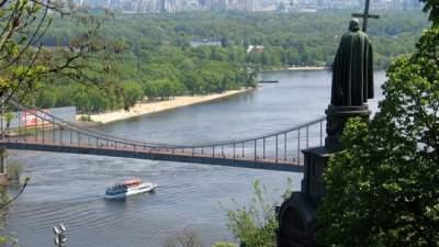 Кличко пообещал киевлянам построить новый пешеходный мост