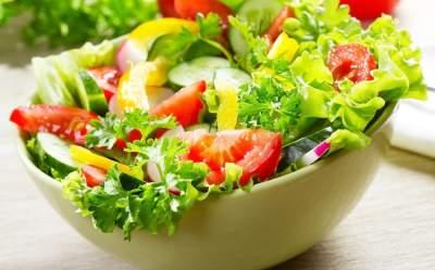 Из каких продуктов не стоит готовить салат желающим похудеть