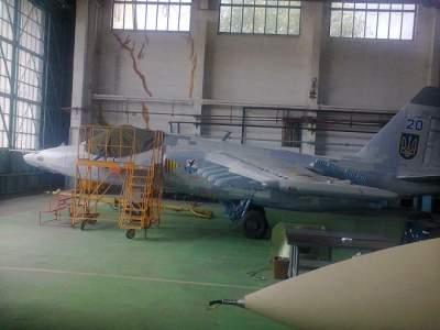 Украинцам показали модернизированный самолет для ВСУ