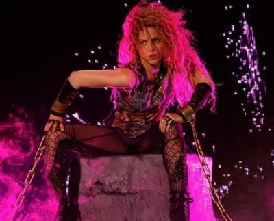 Шакира похвасталась соблазнительными формами