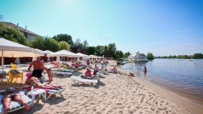 Названы киевские пляжи, на которых безопасно отдыхать