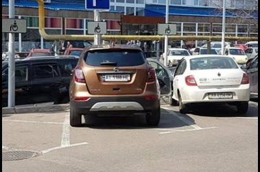 Киевлян возмутили очередные «герои парковки»