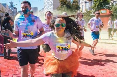 Сотни киевлян поучаствовали в «цветном» забеге
