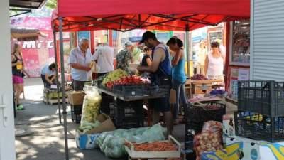 В Святошинском районе Киева убрали стихийный рынок