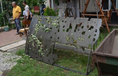 На Закарпатье град побил стекла и уничтожил урожай