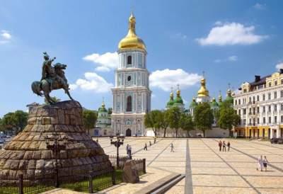 В Киеве Софийскую площадь готовят к капремонту
