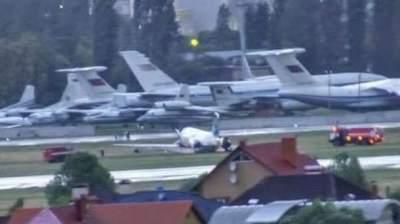 Пассажиры рассказали подробности ЧП с самолетом в «Жулянах»