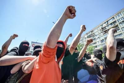 Какими раньше были парады ЛГБТ в Киеве. Фото