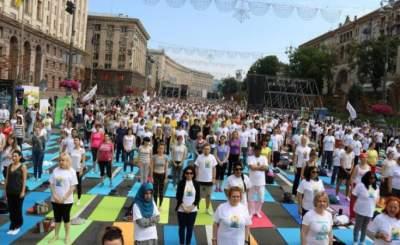 В Киеве на Крещатике отметят День йоги
