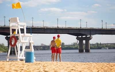 Названы пляжи Украины, на которых небезопасно купаться