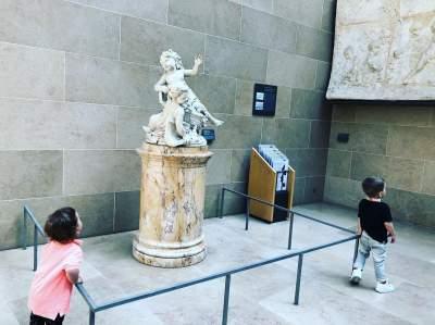 Monatik поделился редкой фотографией своих детей