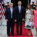 Мелания Трамп поразила удивительной платьем