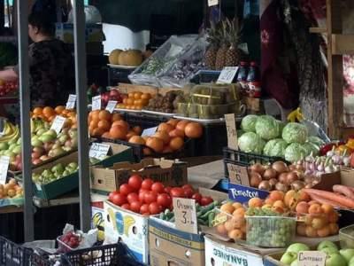В Киеве запретили продавать продукты на улице