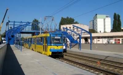В Киеве капитально отремонтируют станции скоростного трамвая