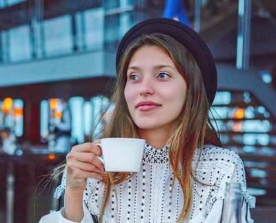 Регина Тодоренко надела бикини и отправилась за черешней