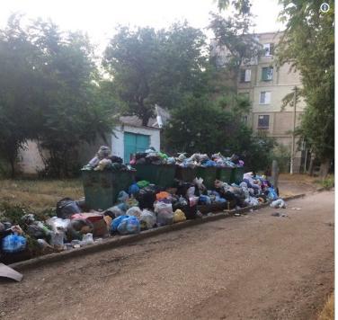 «Русский дух»: свежие фото заваленного мусором Крыма