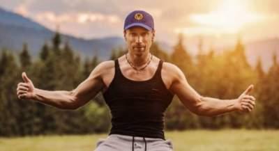 Олег Винник показал накачанные мышцы