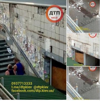 Киевлян возмутил опасный подземный переход, с которого сыпется плитка