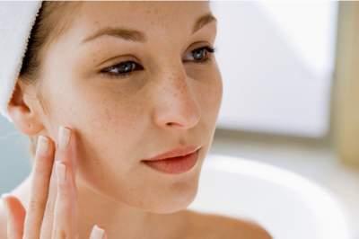 Косметологи подсказали, как избавиться от морщин на лице