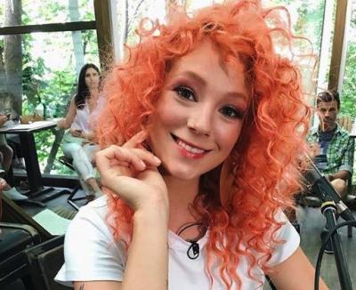 Украинская певица удивила новой прической